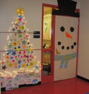 christmas-classroom-door-decorating-1kduh06l