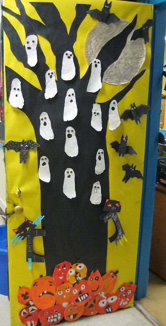 Kindergarten-Halloween-Door-Bulletin-Board